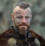 『ヴァイキング』のクリエイターが語るNetflixの続編シリーズ「VIKINGS: VALHALLA」について ─キャスト、リリース最新情報!